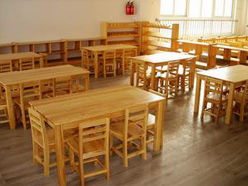 SKP durable childrens wooden table and chairs promotion for kindergarten